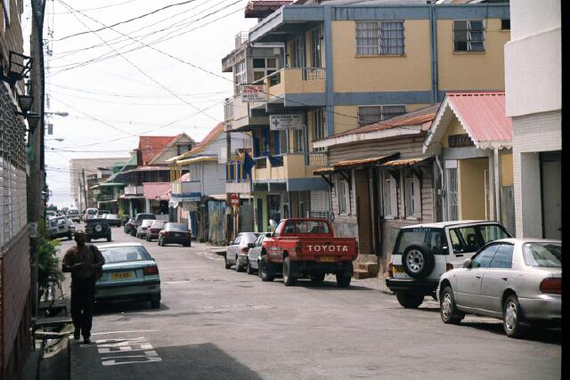 Calle de la ciudad de roseau capital de Dominica
