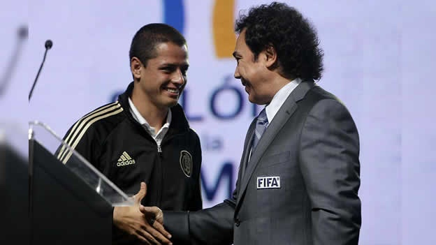 Hugo Sanchez y Chicharito Hernandez